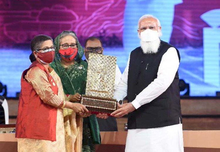 ಬಂಗಬಂಧು  ಶೇಖ್ ಮುಜೀಬುರ್ ರಹ್ಮಾನ್ ಗೆ ಪ್ರತಿಷ್ಠಿತ ಗಾಂಧಿ ಶಾಂತಿ ಪ್ರಶಸ್ತಿ