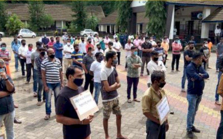 ವಿದ್ಯಾರ್ಥಿನಿ ಮೇಲೆ ಲೈಂಗಿಕ ಕಿರುಕುಳ: ಶಿಕ್ಷಕನ ವಿರುದ್ಧ ಪ್ರತಿಭಟನೆ