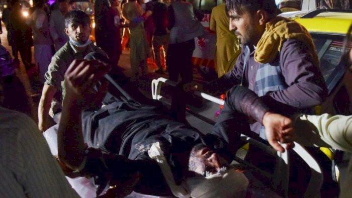 ಕಾಬೂಲ್ ವಿಮಾನ ನಿಲ್ದಾಣದ ಹೊರಗೆ ಆತ್ಮಾಹುತಿ ದಾಳಿ: ಕನಿಷ್ಠ 13ಕ್ಕೂ ಹೆಚ್ಚು ಸಾವು